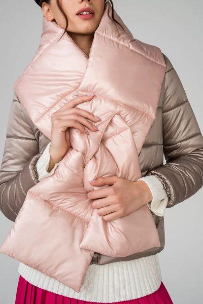 Светлый стеганый шарф