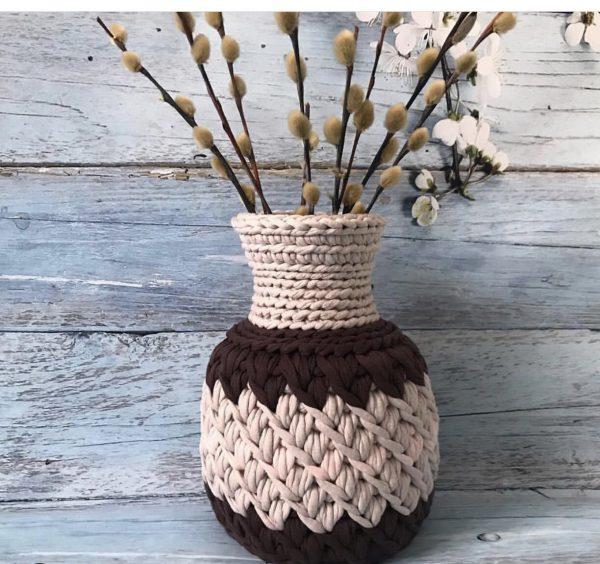 Оригинальная трикотажная ваза