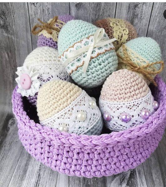 Оригинальные вязаные яйца