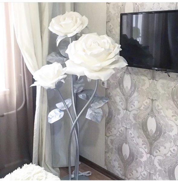 Прикроватный светильник роза