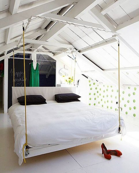 Кровать под потолком своими руками