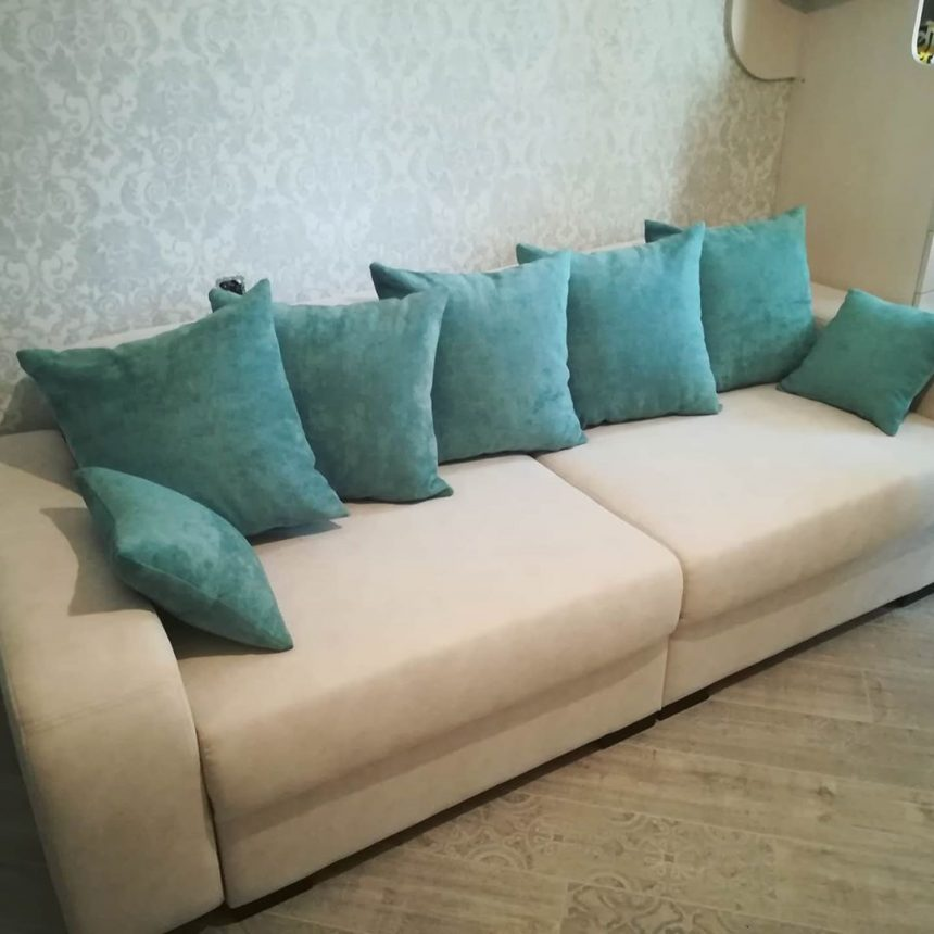 Перетяжка дивана своїми руками