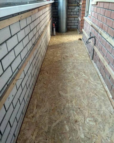 Підлога на балконі з фанери