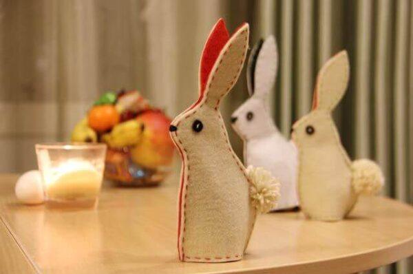 Великодній кролик з фетру